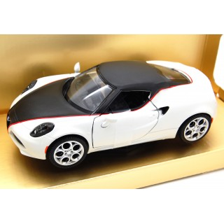 "Alfa Romeo 4C ""satin paint series"" 2014 matt white 1:24"