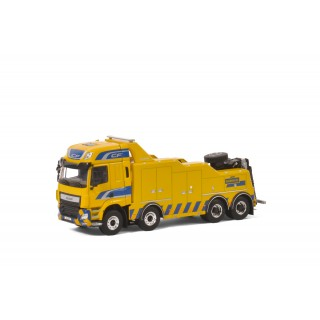 Daf CF Space Cab 8x4 + Wrecker 4 axle 1:50