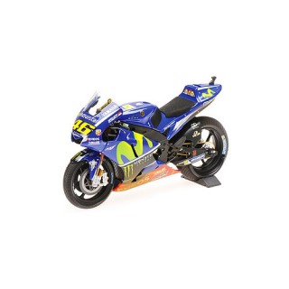 Yamaha YZR-M1 Movistar 2017 Yamaha MotoGP Malesia with Rain Tires and Dirty Look Valentino Rossi 1:12