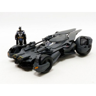 Batmobile 2017 with Batman Figure 1:24