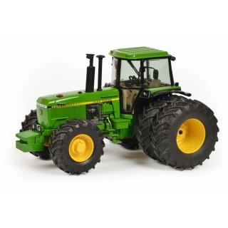 John Deere 4850 green 1:32