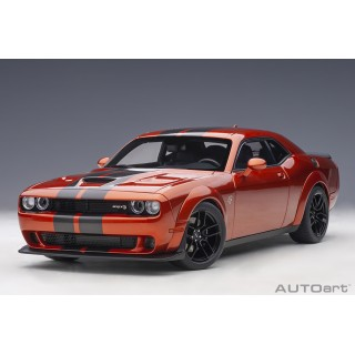 Dodge Challenger SRT Hellcat Widebody 2018 (Sinamon Stick) 1:18