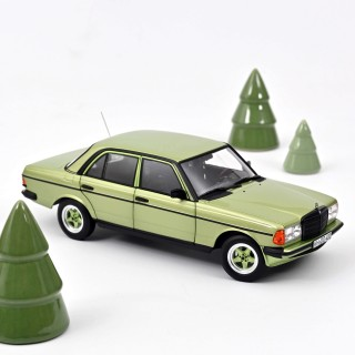 Mercedes-Benz 200 AMG 1984 Silvergreen metallic 1:18