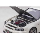 Nissan Skyline GT-R R34 V-spec II White Pearl 1:18