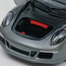 Porsche 911 GTS 2016 Grey Metallic 1:18