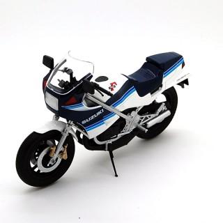 Suzuki RG250R 1983 White - Blu 1:12
