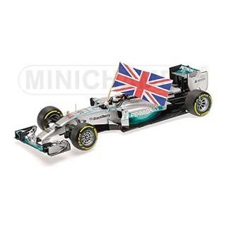 Mercedes Amg Petronas W05 F1 2014 Winner Abu Dhabi Lewis Hamilton + con bandiera 1:43
