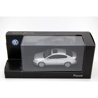 Volkswagen Passat Silver 1:43