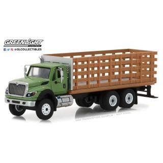 International WorkStar Platform Stake Truck con effetto legno 1:64